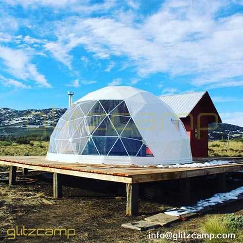 geodesic-dome-shelter-for-winter-glamping-vacation